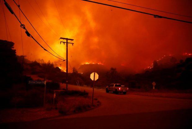 نورلند مایکل جکسون در معرض خطر آتشسوزی - کالیفرنیا