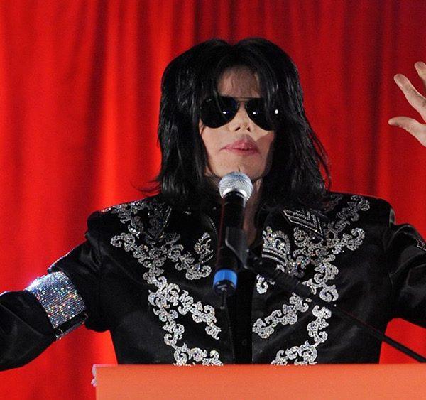 «کافیست»: خانواده مایکل جکسون در نظر دارند برای اثبات بیگناهی او مستند بسازند