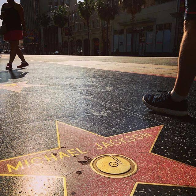 Michael Jackson star damaged 1