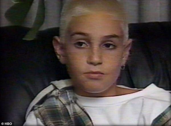 وید رابسون در حال دفاع از مایکل جکسون در تلویزیون، سال 1993